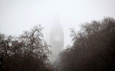 St Stephen's Tower, housing the Big Ben bell, is shrouded in fog on January 2009 in London, England. Big Ben Bell, Saint Stephen, Tower, England, London, Travel, Big Ben London, Viajes, Lathe