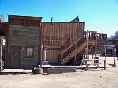 34 wild west town by dragon-orb on DeviantArt Old West Town, Old Town, Old Western Towns, Old West Saloon, Western Wild, Ghost Towns, Abandoned Places, Wild West, Small Towns