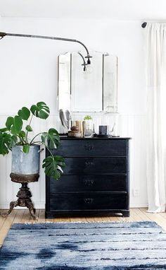 painted black dresser with vintage mirror. / sfgirlbybay