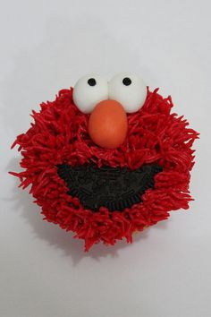 Elmo Cupcakes by lydiabakes, via Flickr