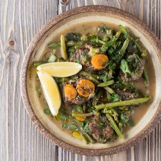 Greek Lemon Beef stew with Green Beans by Greek chef Akis Petretzikis. A super delicious traditional Greek recipe for juicy tender lemony beef and green beans! Meat Doneness, Greek Recipes, Melting Chocolate, Beautiful Cakes, Stew, Green Beans, Yummy Food, Meals, Ethnic Recipes