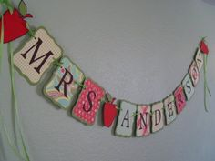Love this! I think my mom could make this with her cricut!