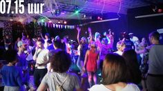 NOS online report, standing in the first fitness rave in the Netherlands.  Hak, hak - daarna pas in pak, pak - NOS op 3