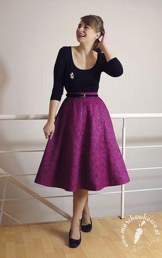 Skirt: made by me Pattern: Butterick 5605 Top: Gatta Poodle brooch: Allegro, lata '60. Shoes: Lasocki Earrings: Kruk Belt: Biedronka Bag: SH, prezent od bratowej Petticoat: eBay