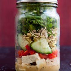 Salade en pot Mason style asiatique - Diététistes et Nutritionnistes Chez NutriSimple