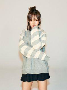 Wendy Red Velvet, Red Velvet Joy, Velvet Style, Seulgi, Kpop Girl Groups, Kpop Girls, Red Velvet Photoshoot, Red Velet, Red Pictures
