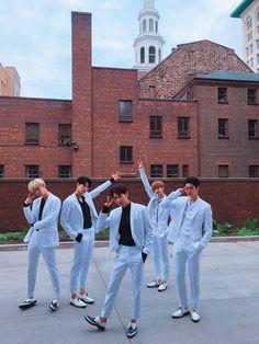 Jihun, Seungjun, Heejun, Inseong, and Youjin. 크나큰 (KNK) (@KNKOfficialYNB)   Twitter
