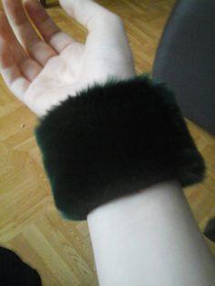 Bracellet en fourure noir fait main