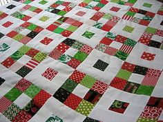 Disappearing nine patch quilt. Want to do with these colors to set out at Christmas. Quilting Tutorials, Quilting Projects, Quilting Designs, Quilting Ideas, Nine Patch Quilt, Quilt Of Valor, Quilted Wall Hangings, Scrappy Quilts, Quilt Block Patterns
