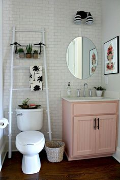 47 best small apartment bathrooms images house decorations rh pinterest com