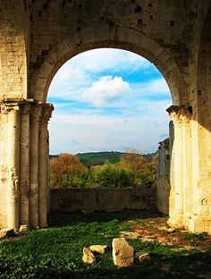 An Archway to Tuscany...
