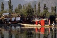 Besides the regular stops in Delhi, Agra, Jaipur and the deserted city Fatehpur Sikri, you will also get to Srinagar and its lush gardens and lakes, live on houseboats, then visit Gulmarg, one of the world's best skiing resorts.