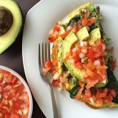 Good morning friends! Gaby from @wholefoodblog here. I'm always getting asked about how I make my omelettes so I'm kicking off today with some handy dandy omelette tips. Omelettes are my absolute favorite way to get veggies in at breakfast but I've found that traditional omelette making methods fall short if you use too many veggies. Here are some tips for maximizing veggies and minimizing the possibility that you'll end up with a scramble:  1.) Use the right size pan. Too small is bad; too…