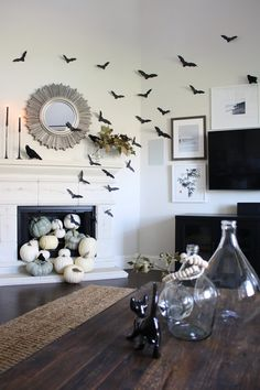 A Quick and Easy Take on Halloween Decorations - Crazy Wonderful - A Quick and Easy Take on Halloween Decorations, DIY paper bat halloween decorations, simple hallowe - Halloween Chic, Fairy Halloween Costumes, Halloween Mantel, Scary Halloween, Vintage Halloween, Happy Halloween, Farmhouse Halloween, Halloween Makeup, Halloween Bathroom Decorations