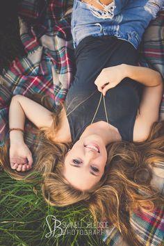 Callie Corum, Knoxville senior portraits photos, Berean Christian senior, shanell bledsoe photography, casual outdoor, farm