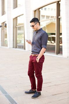 Blogger The Lovely Theory wearing a pair of red chinos with classic skirt and brogues Maroon Pants Outfit, Chinos Men Outfit, Burgundy Chinos, Red Chinos, Red Pants Men, Casual Outfits, Men Casual, Men's Outfits, Style Masculin