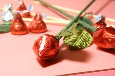 Want an easy valentine's craft for Valentine's Day? Try the Hershey's Kisses Rosebud Craft. It's really easy and fun to make. Enjoy making a lot for your family and friends! Easy Valentine Crafts, Valentines, Valentine Ideas, Valintines Day, Bamboo Skewers, Hair Ribbons, Candy Bouquet, Hershey Kisses, Rose Buds