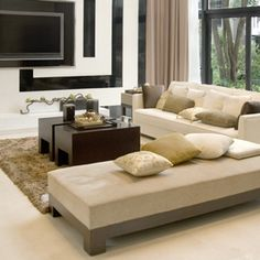 Check out our 71 pictures of stylish modern living room designs here. Huge variety, yet all are modern in design. Get inspired for your living room! Room Design, Interior Design Trends, Furniture, Black And White Living Room Decor, Home, Latest Living Room Designs, Beige Living Rooms, Living Room Design Modern, White Leather Sofa Set