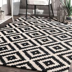 Amazon.com: nuLOOM MTVS174A Black Hand Tufted Kellee Area Rug, 5' x 8', Black: Kitchen & Dining