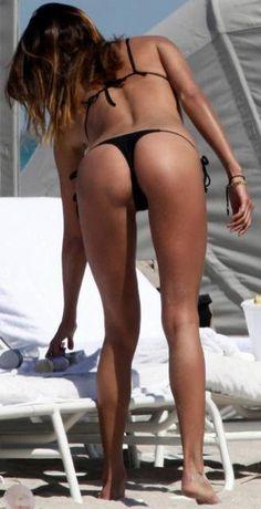 Zoe Saldana Butt 17