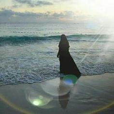 Pretty in world Hijab Niqab, Hijab Chic, Hijab Outfit, Islamic Girl Images, Islamic Pictures, Beautiful Muslim Women, Beautiful Hijab, Hijabi Girl, Girl Hijab