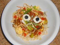 Shawna's Food and Recipe Blog: Eyeballs In The Trash! ~ Halloween Gourmet Ramen Noodles!