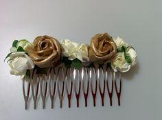 Modelo Susanna (1 disponible)  #lamoradadenoa #totalgold #dorado #rosas #invitada #boda #pasador #flores
