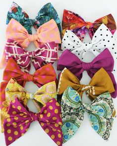 Dainty Fabric Bow by frauleinco on Etsy Knot Headband, Headbands, Pinwheel Bow, Pink Hair Bows, Rainbow Loom Bracelets, Bow Pattern, Fabric Bows, Fabric Flowers, Boutique Hair Bows