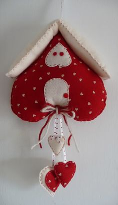 ❤️ Fabric Heart Clock in Red & White ....