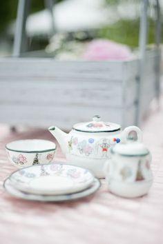 A child's tea set