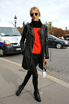 la modella mafia model off duty Spring 2013 street style - Anja Rubik in Burberry