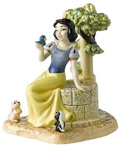 Lovely Royal Doulton Figurine of Snow White with a few of her animal friends. #snowwhite #royaldoulton
