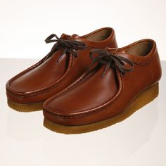 Clarks Wallabee boots Boat Shoes, Men's Shoes, Shoe Boots, Clark Originals, Casual Sneakers, Casual Shoes, Clarks Shoes Mens, Clark Shoes, Best Comfortable Shoes