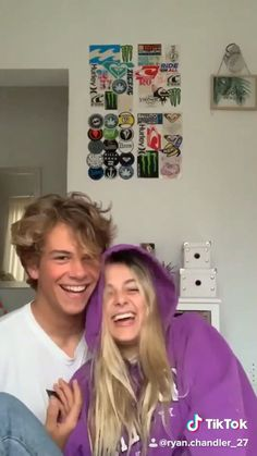 Couples boyfriends toooo cuteee Der Typ ist so heiß OMGGGGGG 😍😍😍 Wanting A Boyfriend, Boyfriend Goals, Future Boyfriend, Couple Goals Relationships, Relationship Goals Pictures, Relationship Drawings, Marriage Relationship, Cute Couple Videos, Funny Couple Pictures
