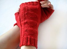 Designed with Valentine's day in mind, these fingerless gloves feature a 4 heart motif running up the back of each hand. Crochet Gloves, Knitted Shawls, Knit Crochet, Mittens Pattern, Knit Mittens, Diy Crafts Crochet, Knitting Patterns, Knitting Hats, Wrist Warmers
