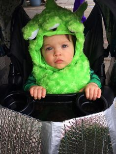 diy family costume idea with mom dad and baby stylish - Aliens Halloween Costume Baby