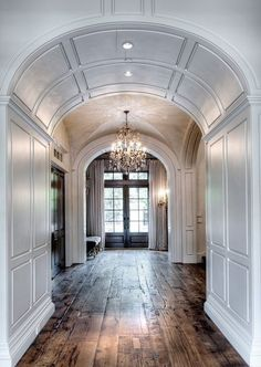 flooring interior Segreto Secrets - Design Chic Love the arched doorway and beautiful hardwood floors Style At Home, Future House, My House, Architecture Design, Sweet Home, Interior Decorating, Interior Design, Decorating Games, Decorating Websites