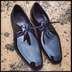I am not a patent leather person but I would seriously consider this take on the Tuxedo shoe Me Too Shoes, Men's Shoes, Shoe Boots, Shoes Sneakers, Dress Shoes, Shoes Style, Tuxedo Shoes, Official Shoes, Groom Shoes