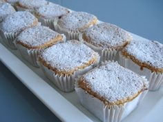 Marquesas From Marquesas Key Islands Site is Spanish so may need translator! These are delish! Beignets, Hispanic Desserts, Condensed Milk Cake, Pan Dulce, Dessert Decoration, Xmas Cookies, Recipe For 4, Mini Cakes, Coffee Cake