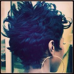 Cute;~) S U P E R F L Y Y; if I had this cut I wouldn't be able to stay out of the mirrors !