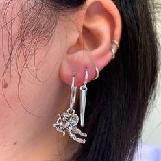 Gold And Silver Earrings Hoops Silver Jewelry Box, Ear Jewelry, Cute Jewelry, Body Jewelry, Jewelry Accessories, Jewellery, Silver Rings, Grunge Jewelry, Cute Ear Piercings