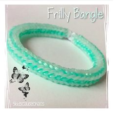 Frilly Bangle and on Monstertail loomboard I love it :-) Loom Band Patterns, Rainbow Loom Patterns, Rainbow Loom Creations, Rainbow Loom Bands, Rainbow Loom Charms, Rainbow Loom Bracelets, Bracelet Patterns, Loom Band Bracelets, Rubber Band Bracelet