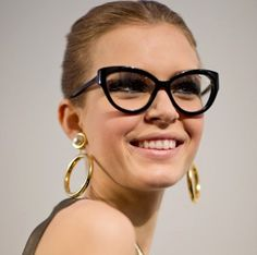 Top 10 Eyewear Trends in 2015 ... Trendy-Eyeglasses-and-Sunglasses-1 └▶ └▶ http://www.topteny.com/top-10-eyewear-trends-in-2015/