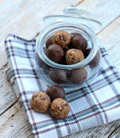 Søte og sunne cookie dough kuler