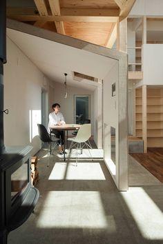 カフェの間 : 스칸디나비아 다이닝 룸 by 一級建築士事務所(株)アトリエカーサ