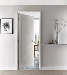 Fit our linear smooth door with a five-panel design for looks that will last a long time. White Interior Doors, Room Interior, Interior Design, Oak Doors, Panel Doors, Front Doors, Entry Doors, Internal Wooden Doors, Custom Wood Doors
