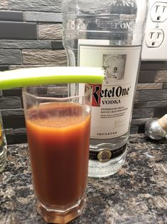 Bloody Mary's can be high in carbs if using premixed bloody mary mix, but there's a way to help keep the carb count minimized. Spicy Sauce, Hot Sauce, Pickled Asparagus, Bloody Mary Mix, Alcoholic Drinks, Cocktails, Vodka Shots, Lime Wedge, Stuffed Jalapeno Peppers