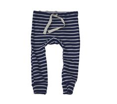 """everyone's favorite leggings, super soft and slim-fitting with a twill tape drawstring and circle gusset on the seat.all of our organic cotton products are made ethically in the usa from start to finish, from the cotton, through the custom low-impact dying and finally to the sewn garment.blue with natural stripe3m, 6m, 12m, 18m, 2/3, 4/5, 6/7100% organic cottonmade in usaInseam measurements:3m: 9""""6m: 10.5""""12m: 11""""18m: 12""""2/3: 14"""