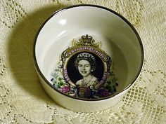 Souvenir Queen Elizabeth Silver Jubilee 1952 1977 Bowl Dartmouth Potteries 4 in