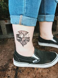 Welcome to r/HarryPotter, the place where fans from around the world can meet and discuss everything in the Harry Potter universe! Be sorted, earn. Harry Tattoos, Harry Potter Tattoos, Literary Tattoos, Arte Do Harry Potter, Harry Potter Tumblr, Harry Potter Universal, Piercings, Piercing Tattoo, I Tattoo